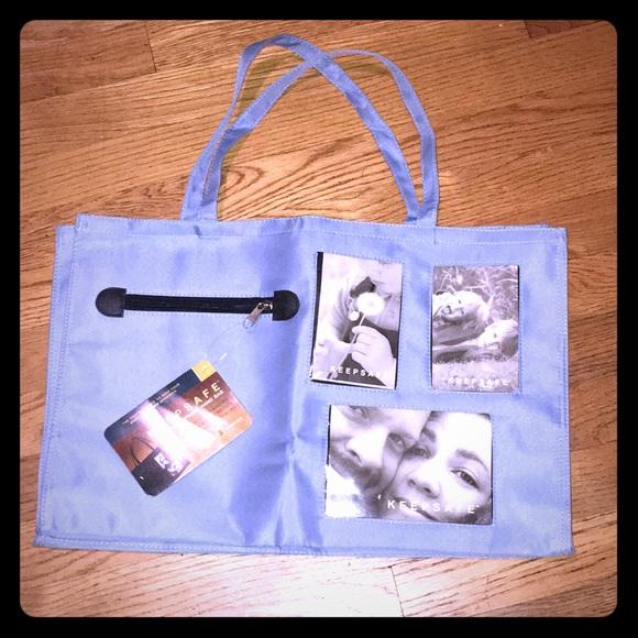 Keepsafe Brag Bag photo tote - new NWT